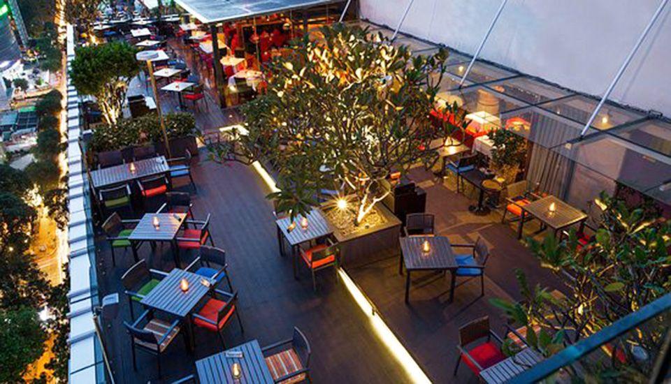 Shri Restaurant Lounge