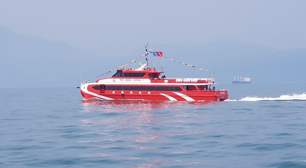 Tau-Rach-Gia-Hon-Son-Phu-Quoc-Express