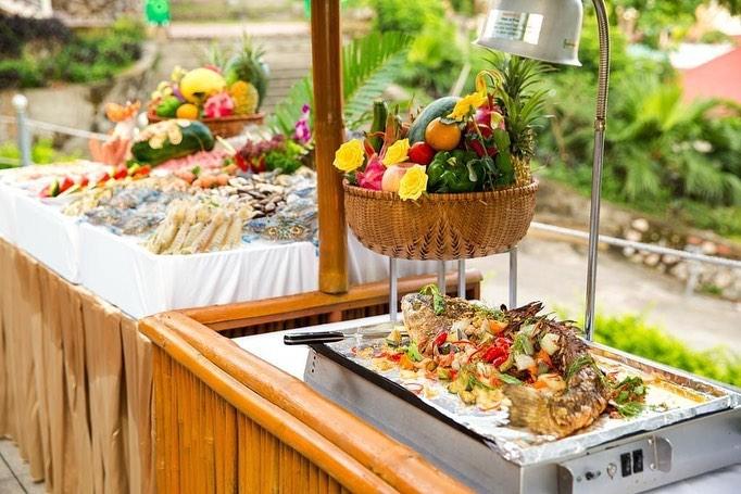 Novotel Ha Long Bay buffet