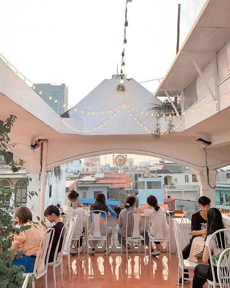 BREATHE – Rooftop Cafe hai phong