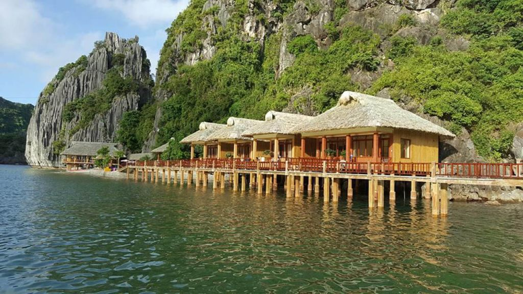 south cat island resort