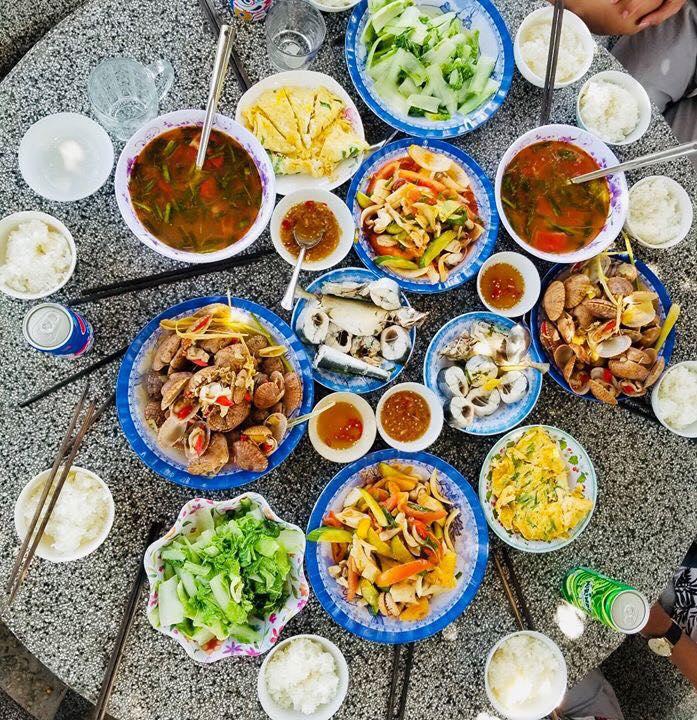 an uong tai homestay co sang homestay dao phu quy