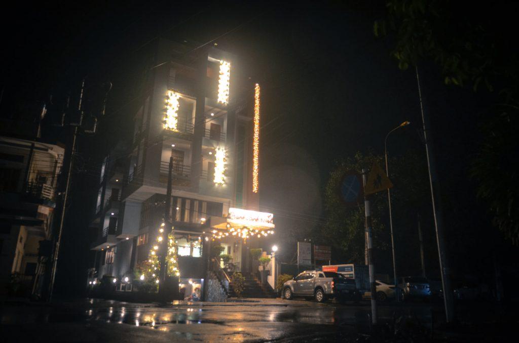 Khách sạn 2 sao Lagi