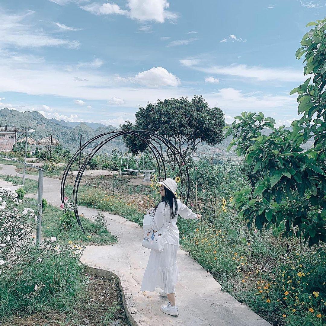 khuon vien doi house