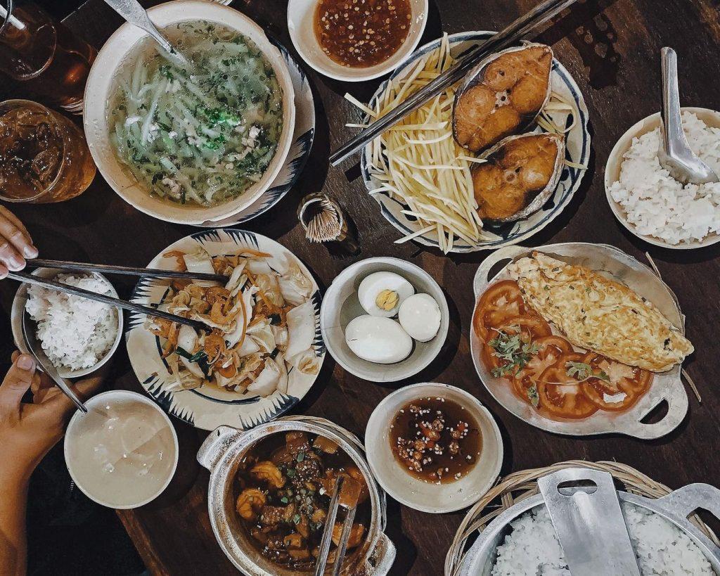 nhà hàng món Việt sang trọng quận 1