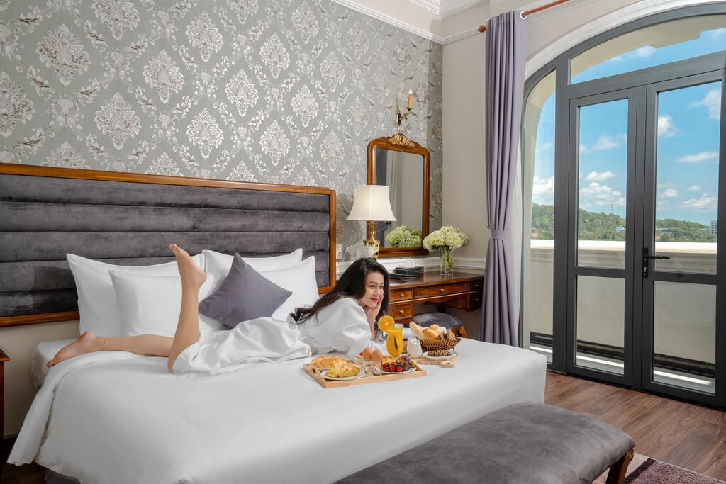 AVS Hotel Phu Quoc khach san 4 sao o Duong Dong Phu Quoc