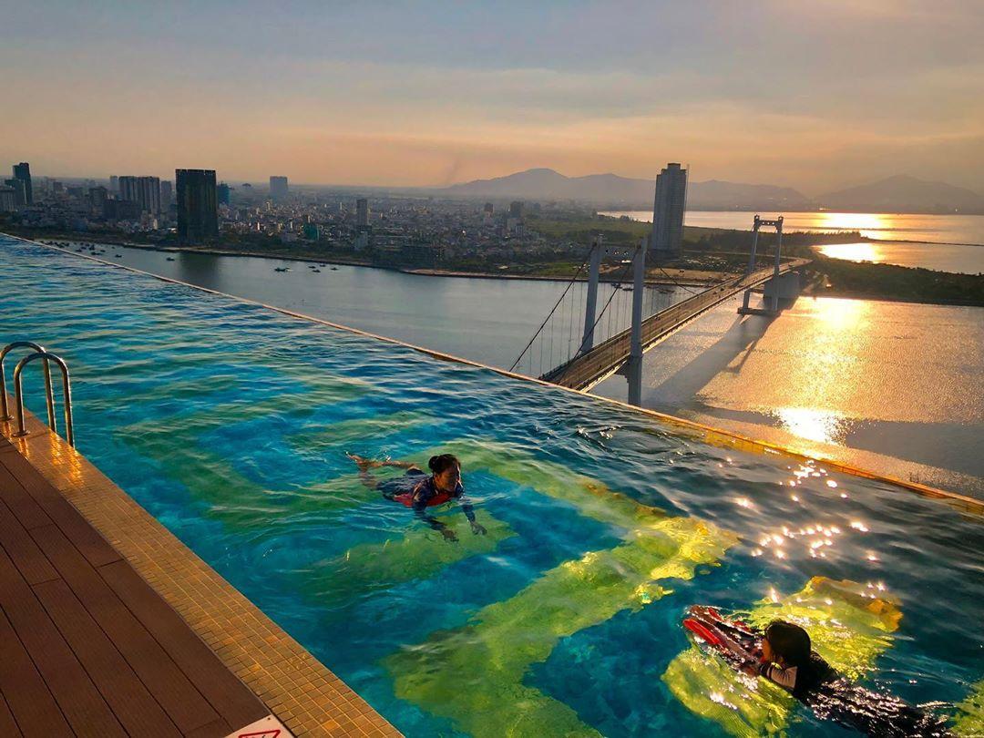 Danang Golden Bay Hotel be boi vo cuc