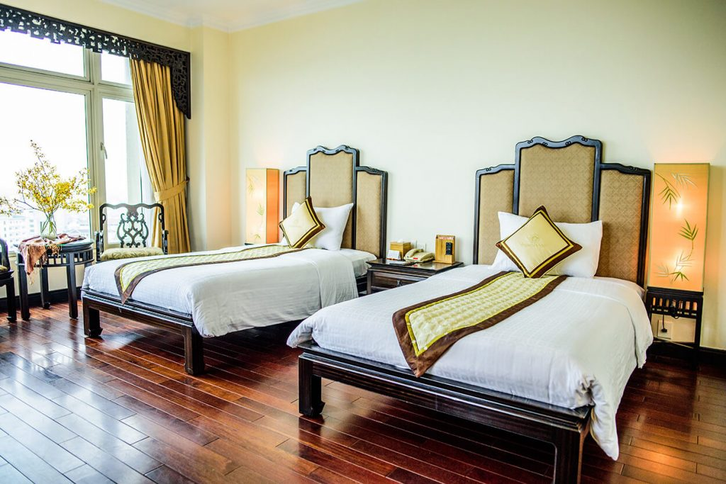 Khách sạn Hoàng Cung