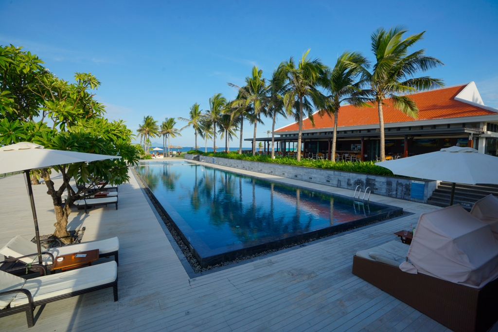 Khung canh tai Ocean Villas Resort
