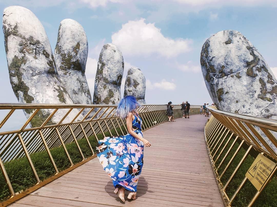 Cầu Vàng - tour Đà Nẵng Hội An Huế