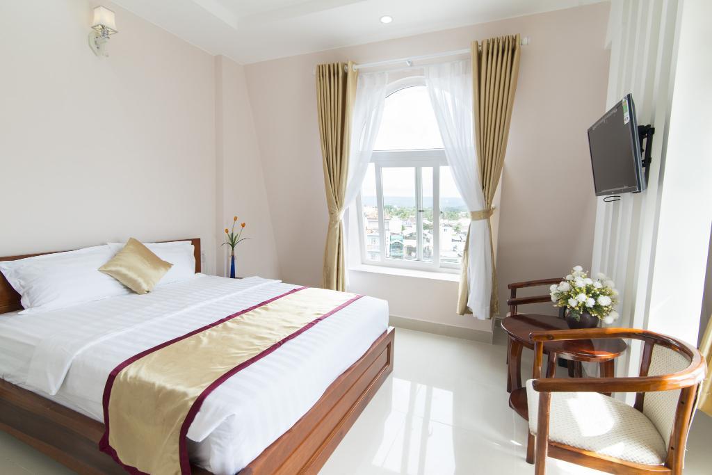 Thuận Hải Hotel