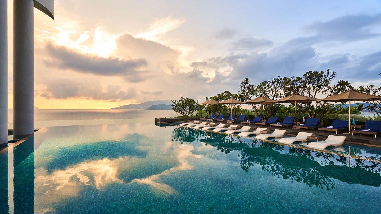 ho boi vo cuc tai Sheraton Nha Trang Hotel & Spa