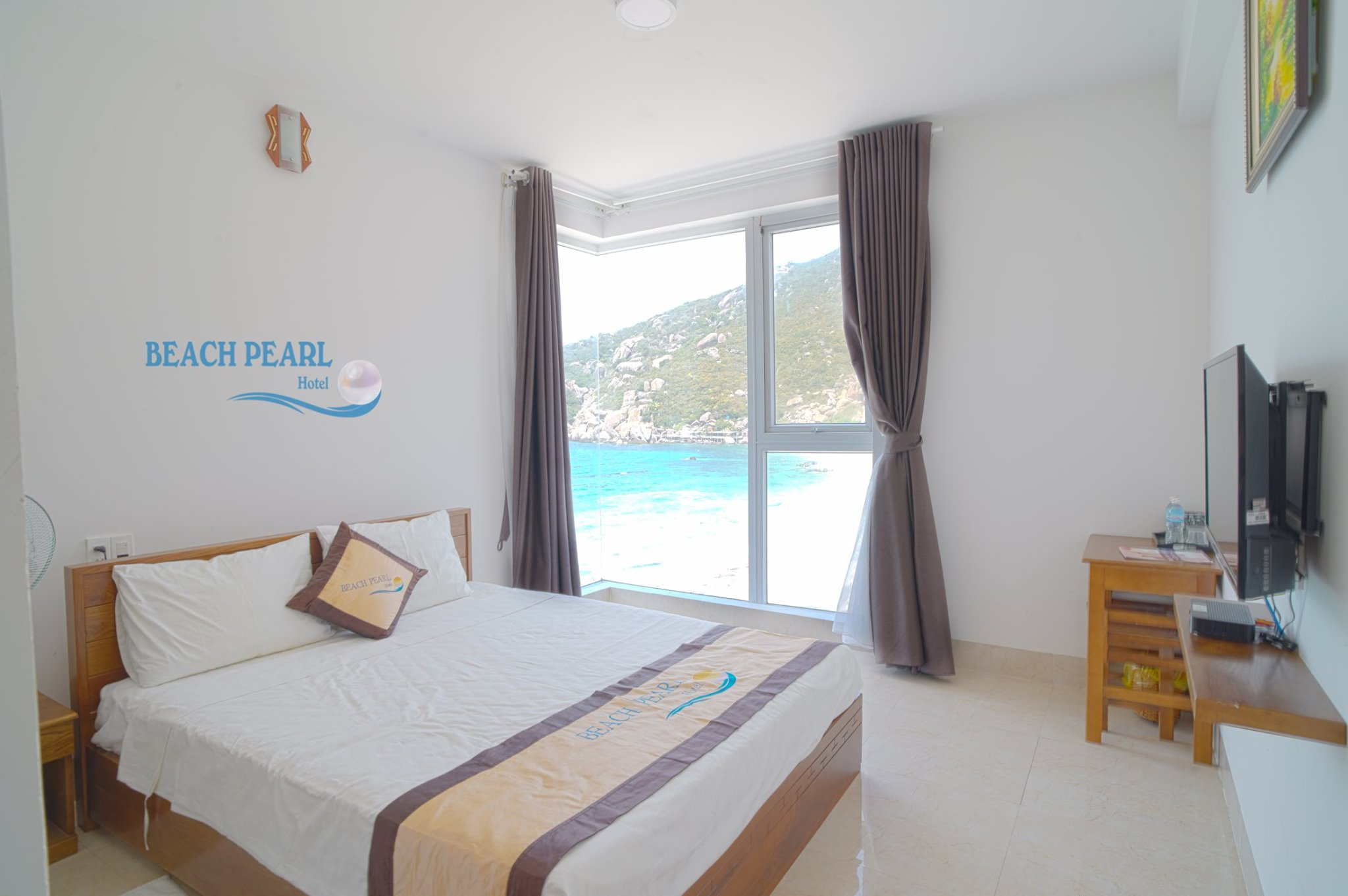 phong nghi tai beach pearl hotel