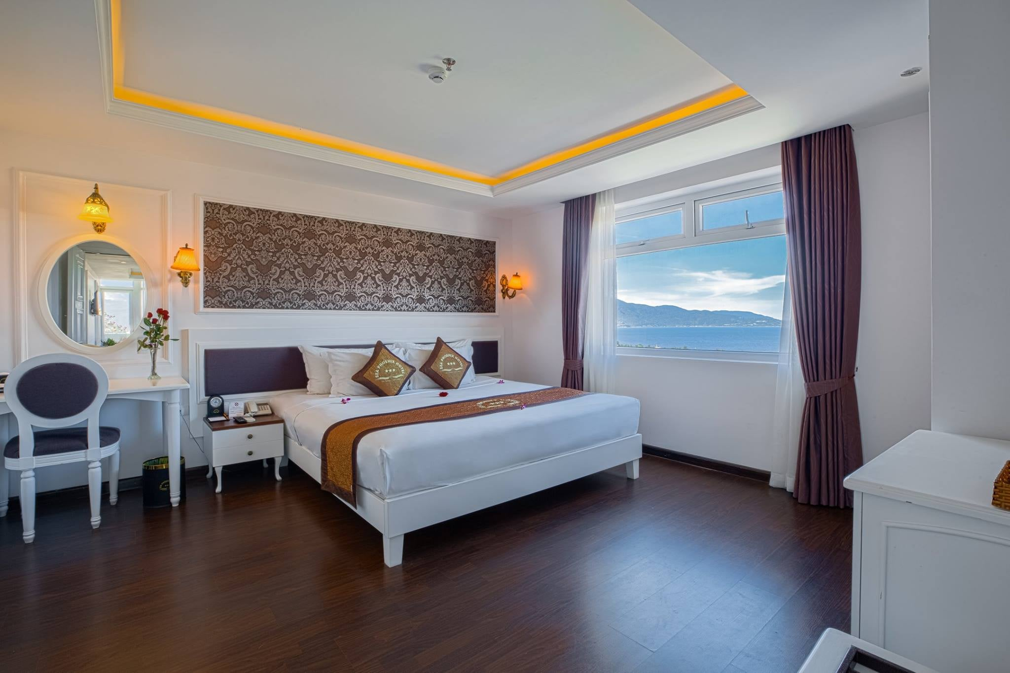 sea phoenix Hotel khach san o da nang gan bien my khe