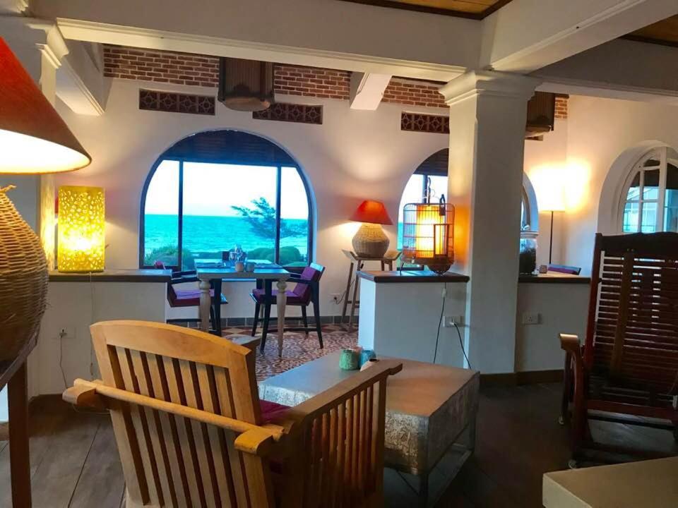 Khách sạn Boutique Villa Louise Huế Beach