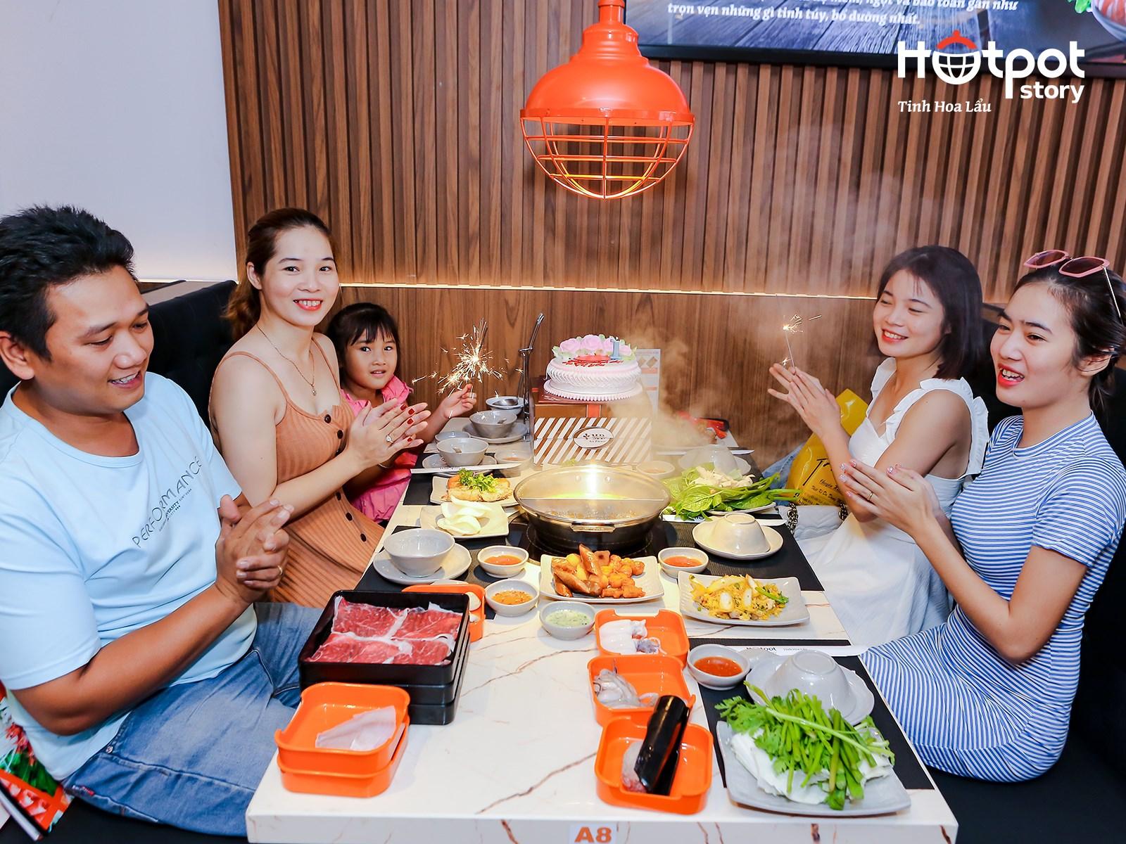 Thuong thuc bua an tai Hotpot Story Ha Noi