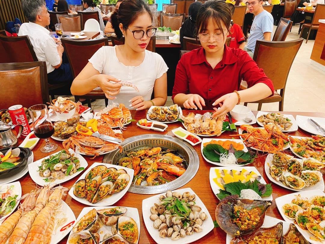 12 món ăn trên line được thay đổi vào cuối tuần