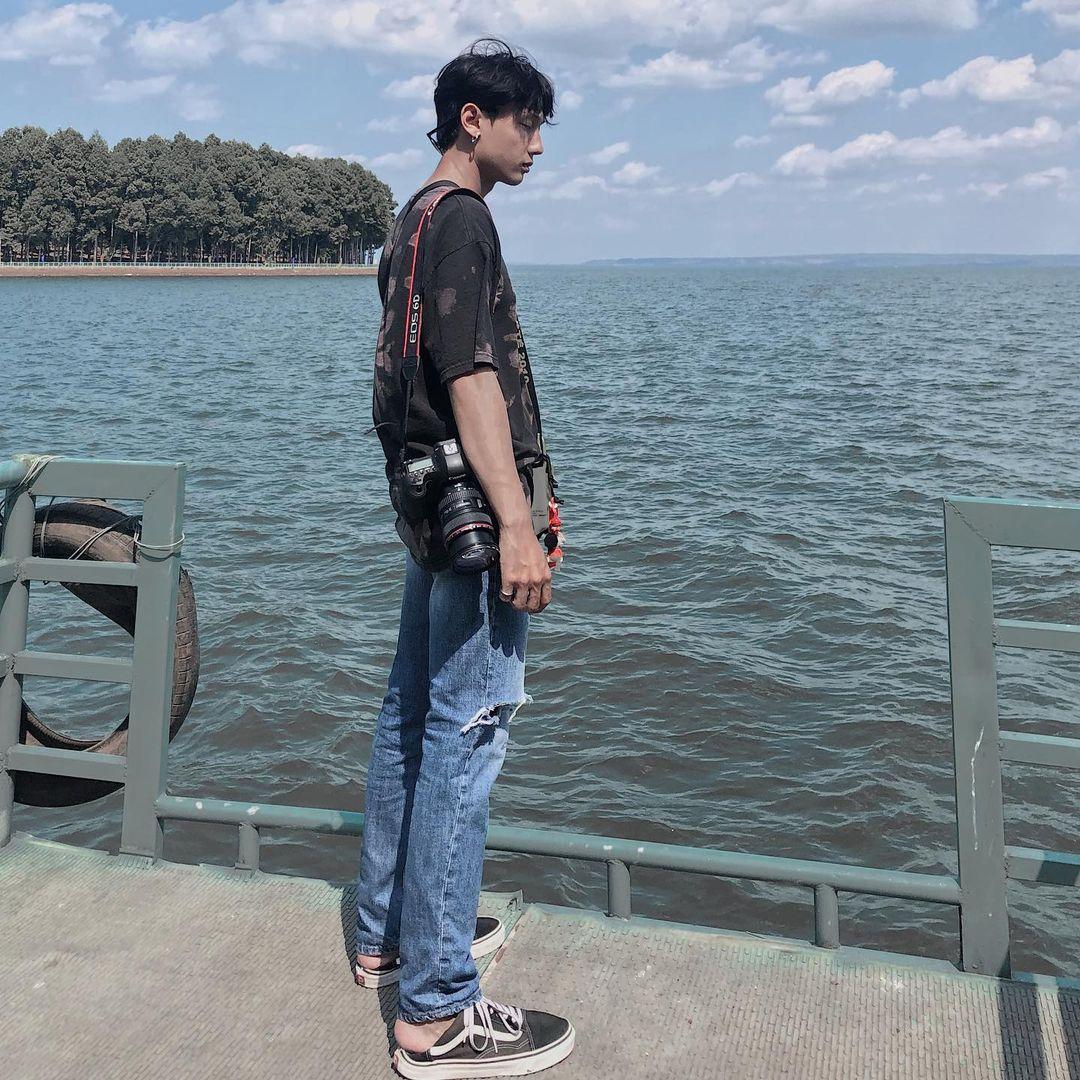 Chụp ảnh ảo sống bên hồ Trị An