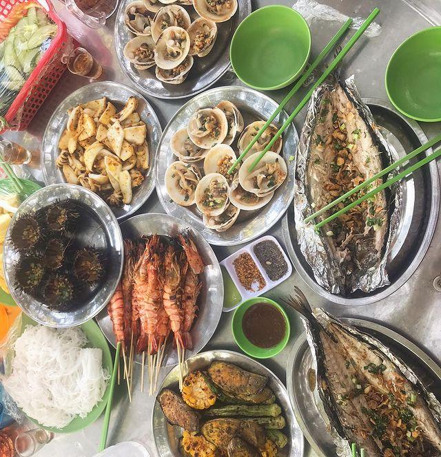 Đĩa đồ ăn hải sản