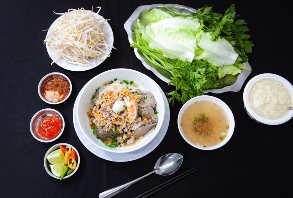 Hủ tiếu Tường Phát - một trong những quán hủ ngon nổi tiếng ở quận Gò Vấp