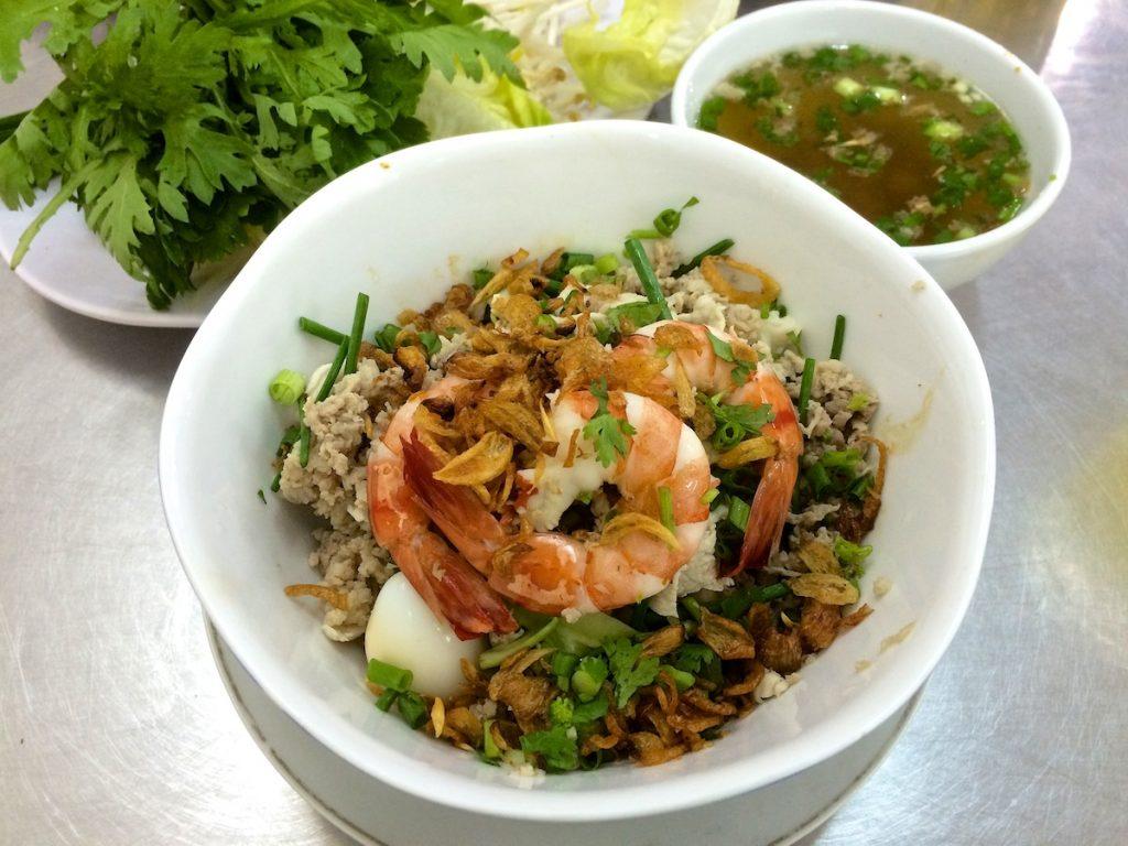 Nam Vang Bà Xuân