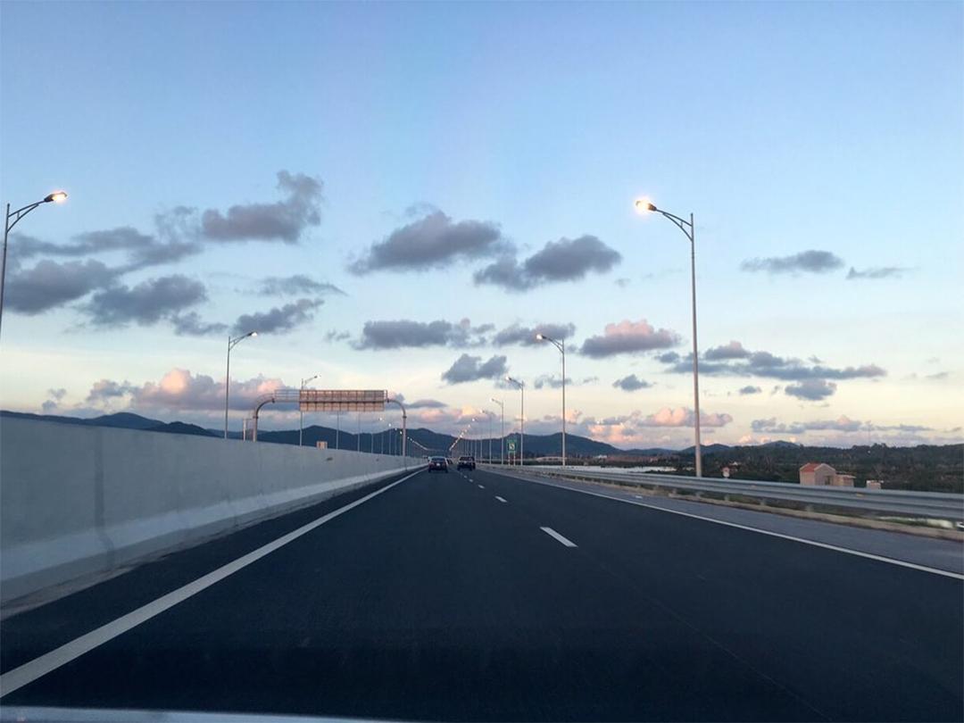 Đường quốc lộ đi đến Hải Phòng