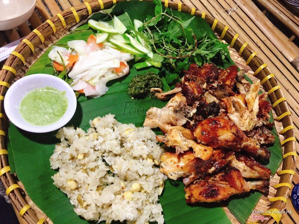 Thưởng thức món ăn gì ở làng tre