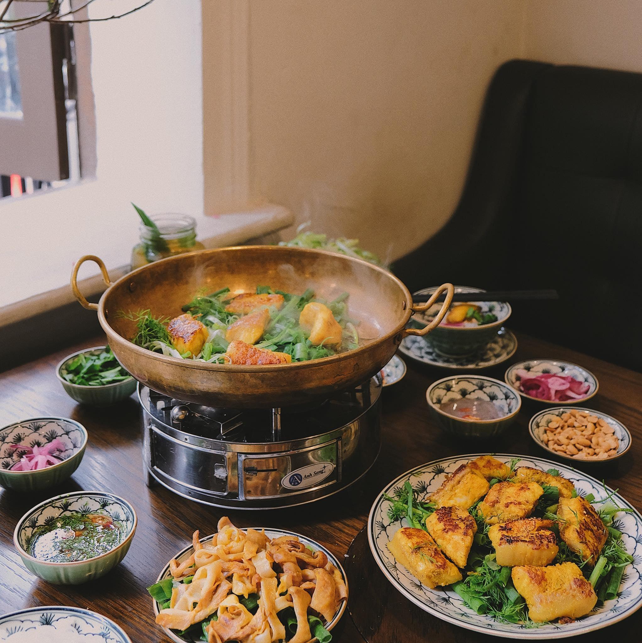 lau-ca-ngon-o-ha-noi-chaka-restaurant