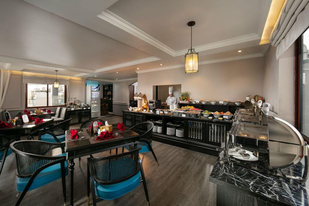nha hang tai Imperial Hotel & Spa