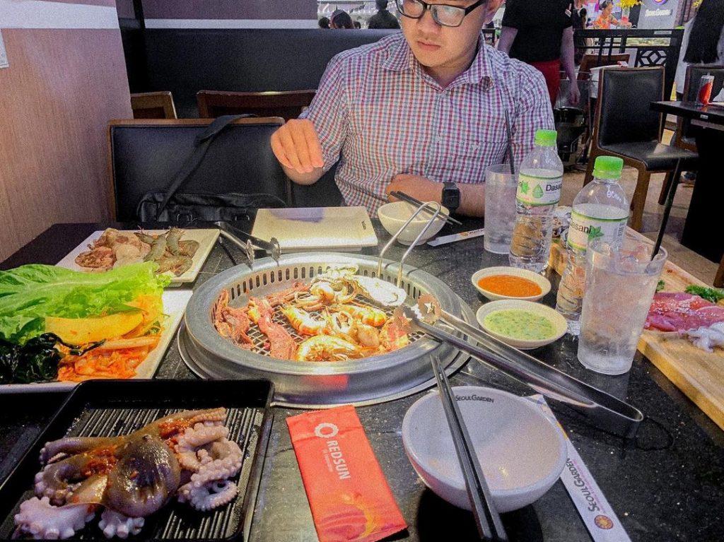 Seoul Garden Vạn Hạnh Mall nổi tiếng với nguyên liệu tươi ngon và món ăn hấp dẫn