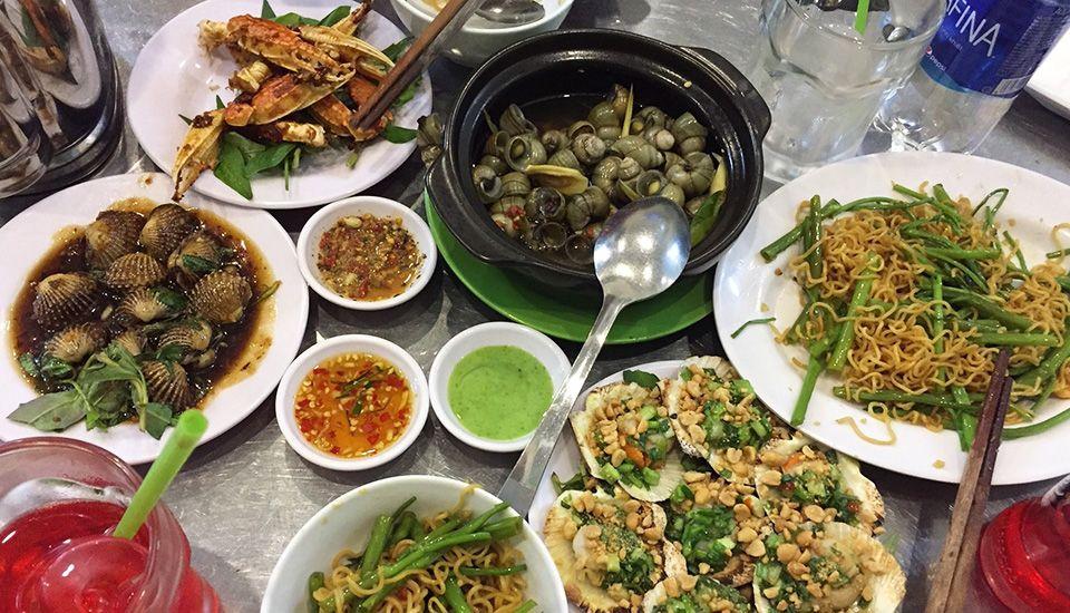 Ốc Tuyết - quán ốc Phú Nhuận