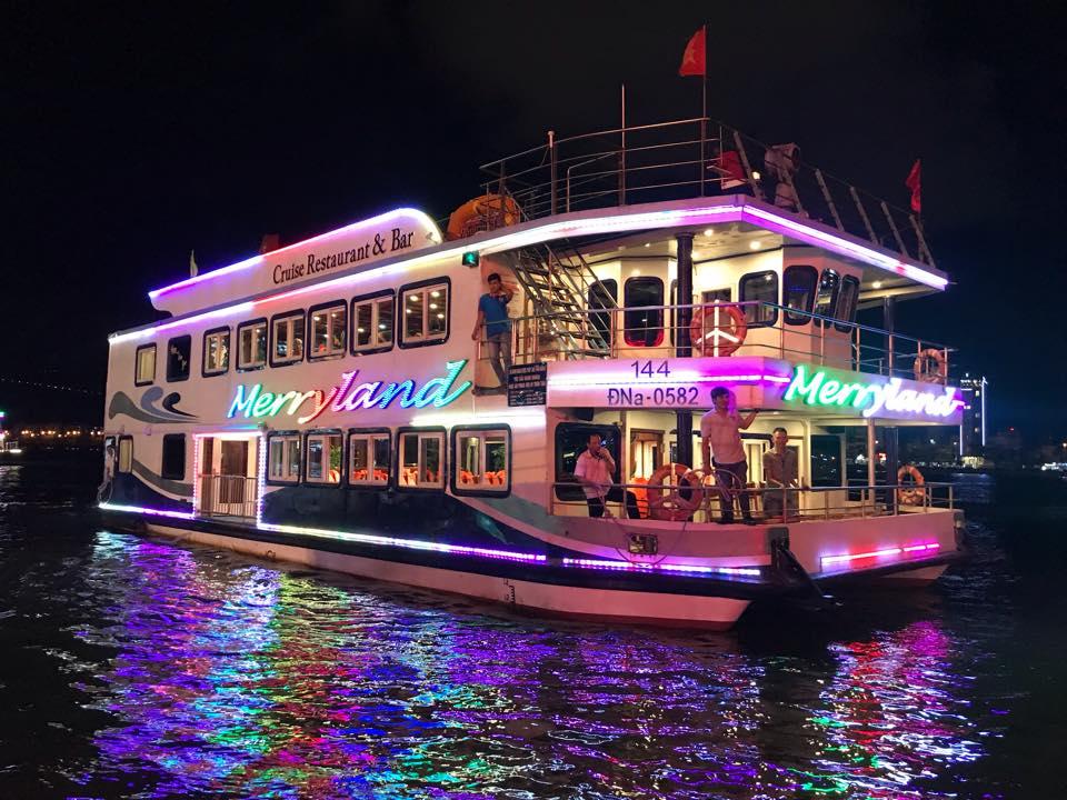 Giá vé du thuyền Đà Nẵng