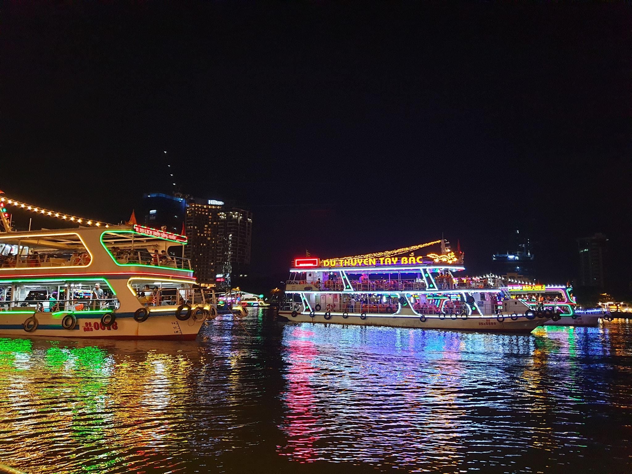 Du thuyền sông Hàn