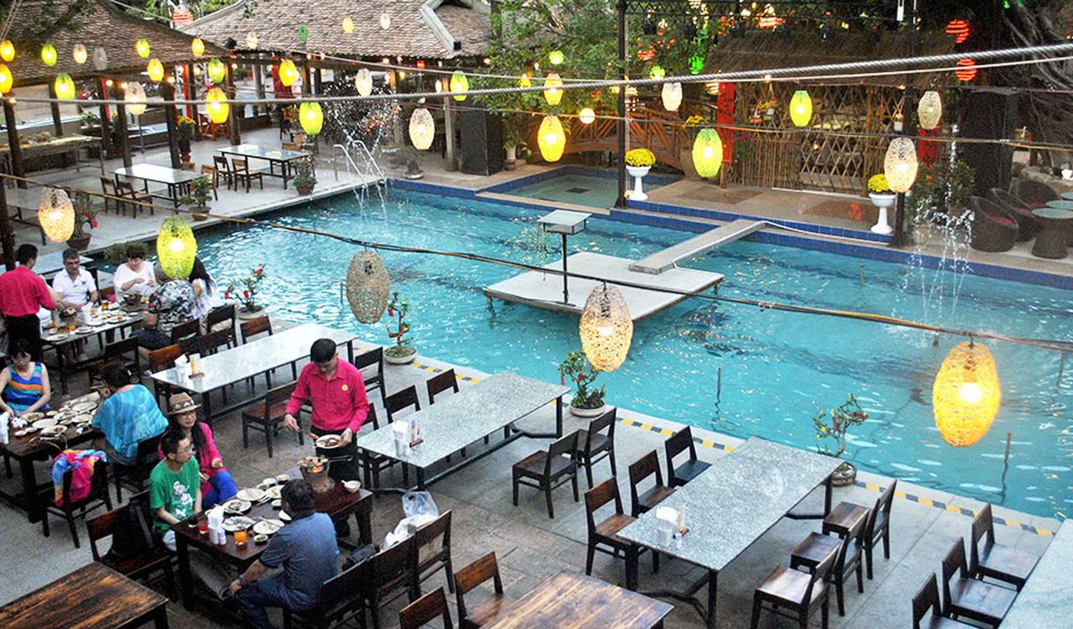 6-nha-hang-pool