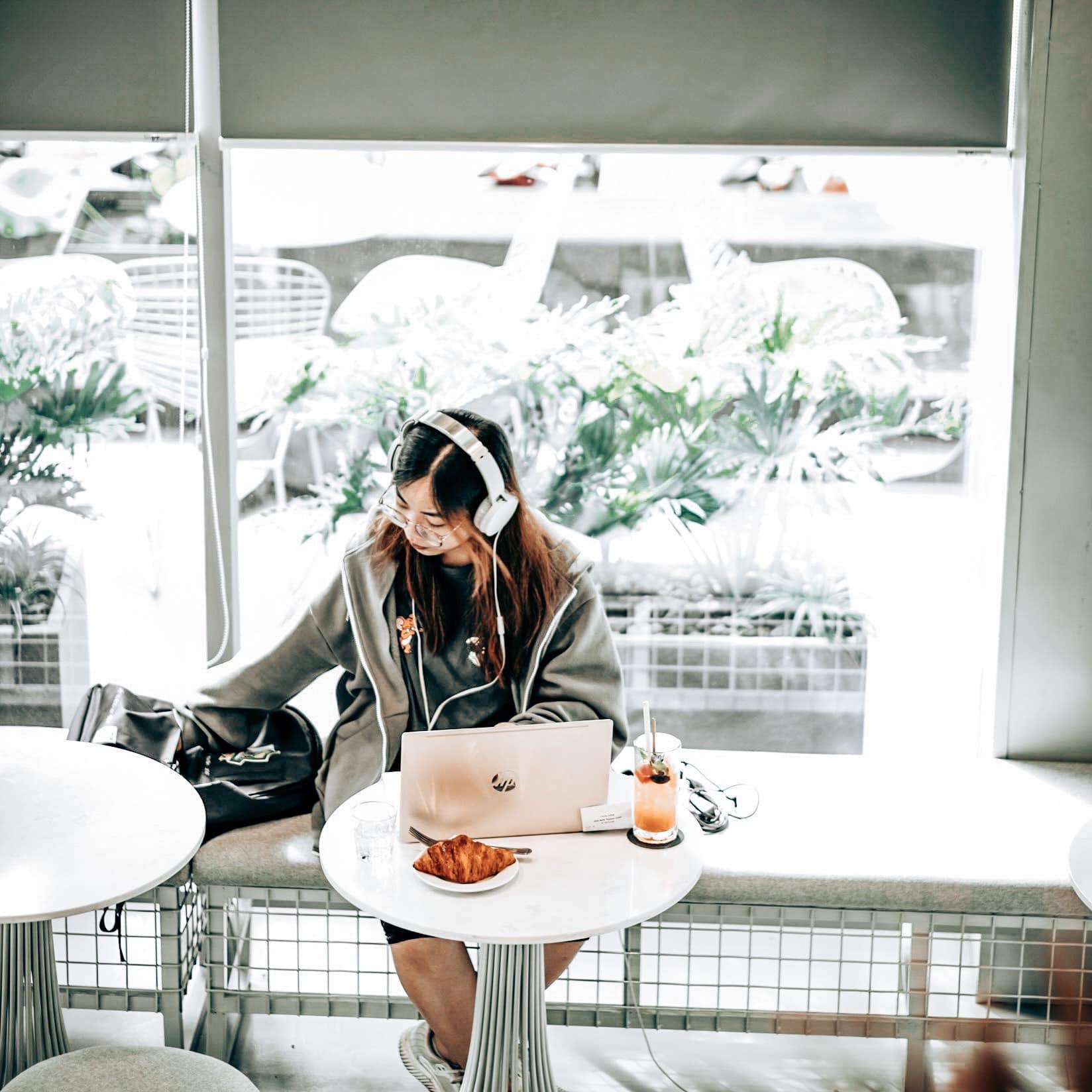 Circle Coffee - quán cafe đẹp quận 7