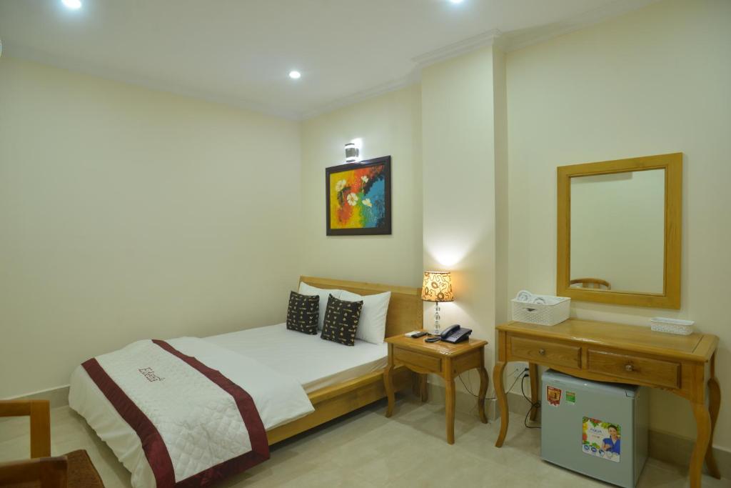 Khách sạn Atana