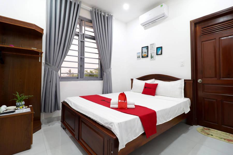 RedDoorz Luxury An Phu Dong Hotel