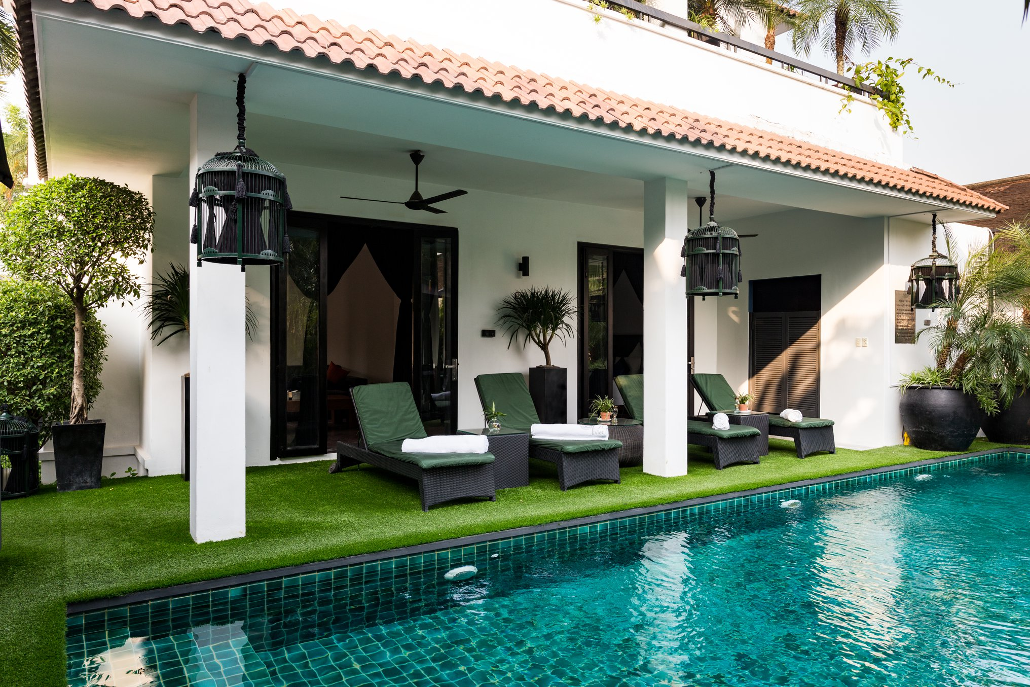 bể bơi ngoài trời thảo điền village khách sạn quận 2