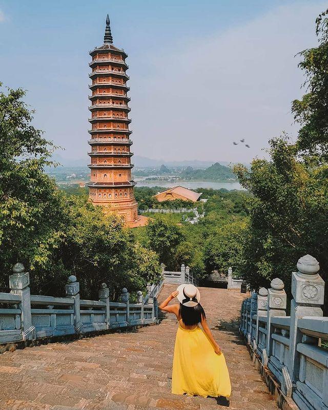 chua bai dinh - diem den trong tour Ninh Binh 3 ngay 2 dem