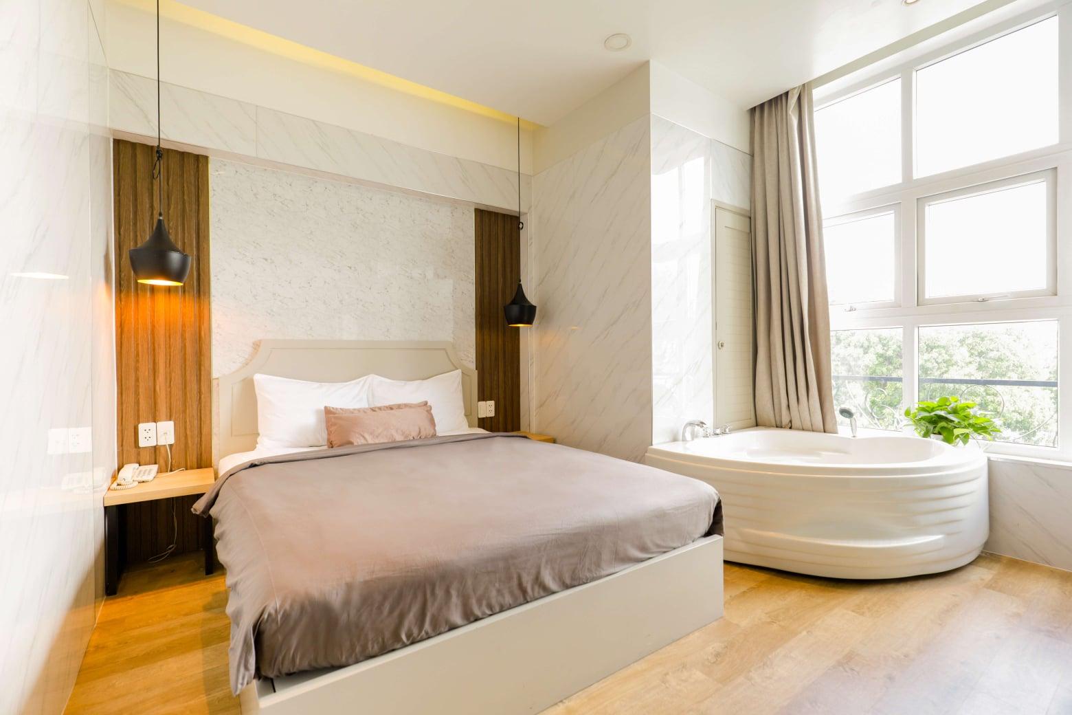la-hotel-khach-san-xanh-o-quan-10