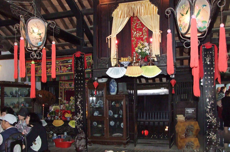 gian khách nhà cổ