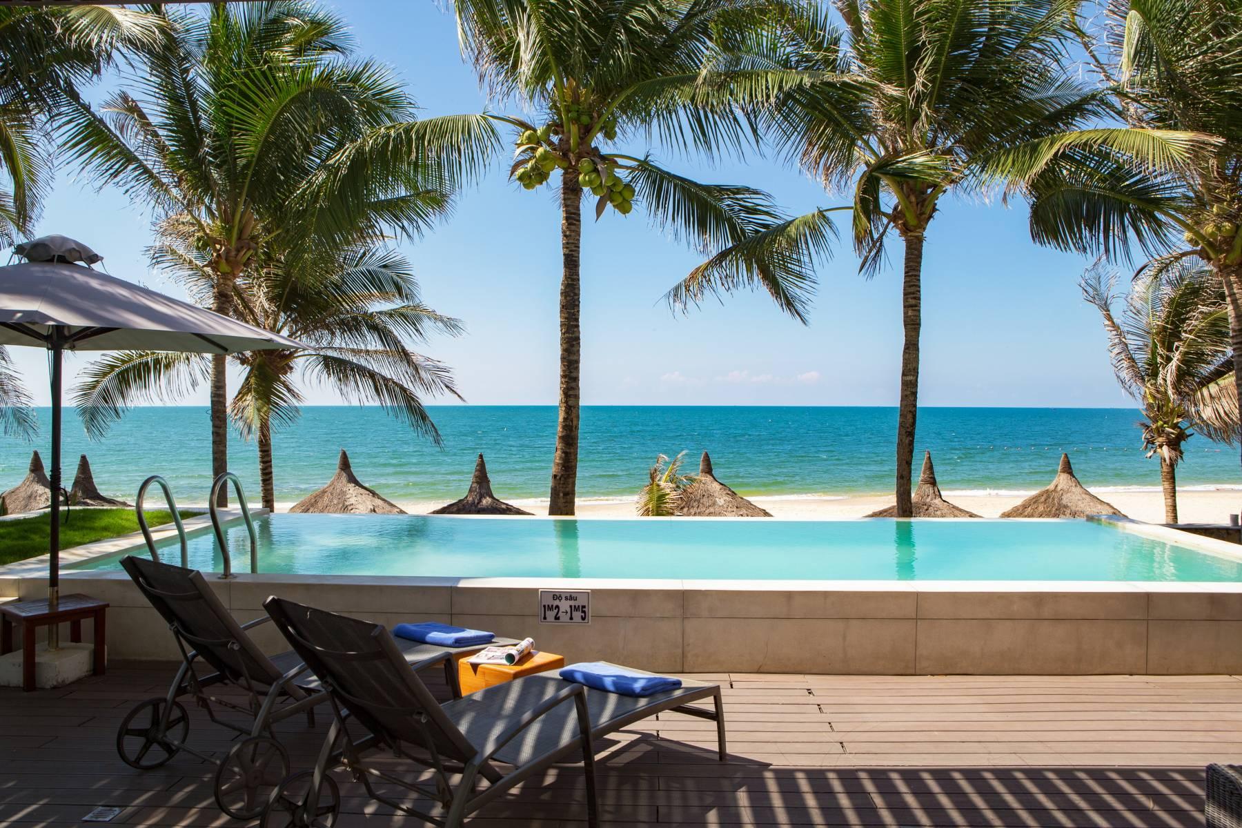 villa ocean front view