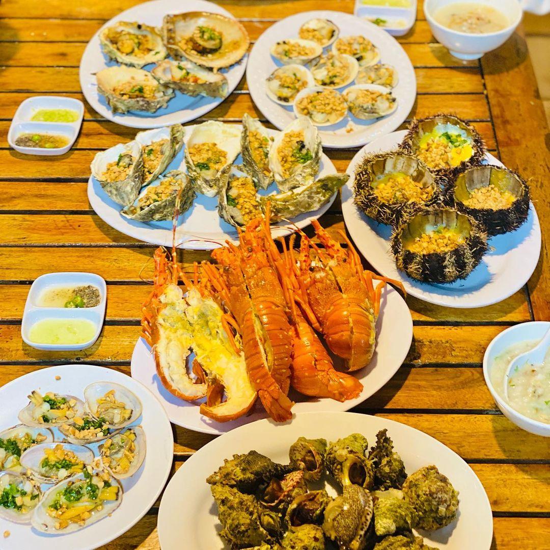 thực đơn hải sản hấp dẫn