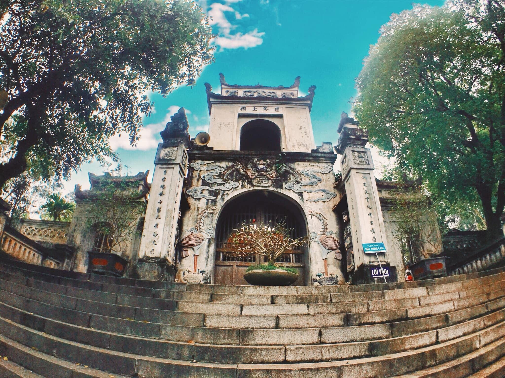 Đền Cuông Nghệ An