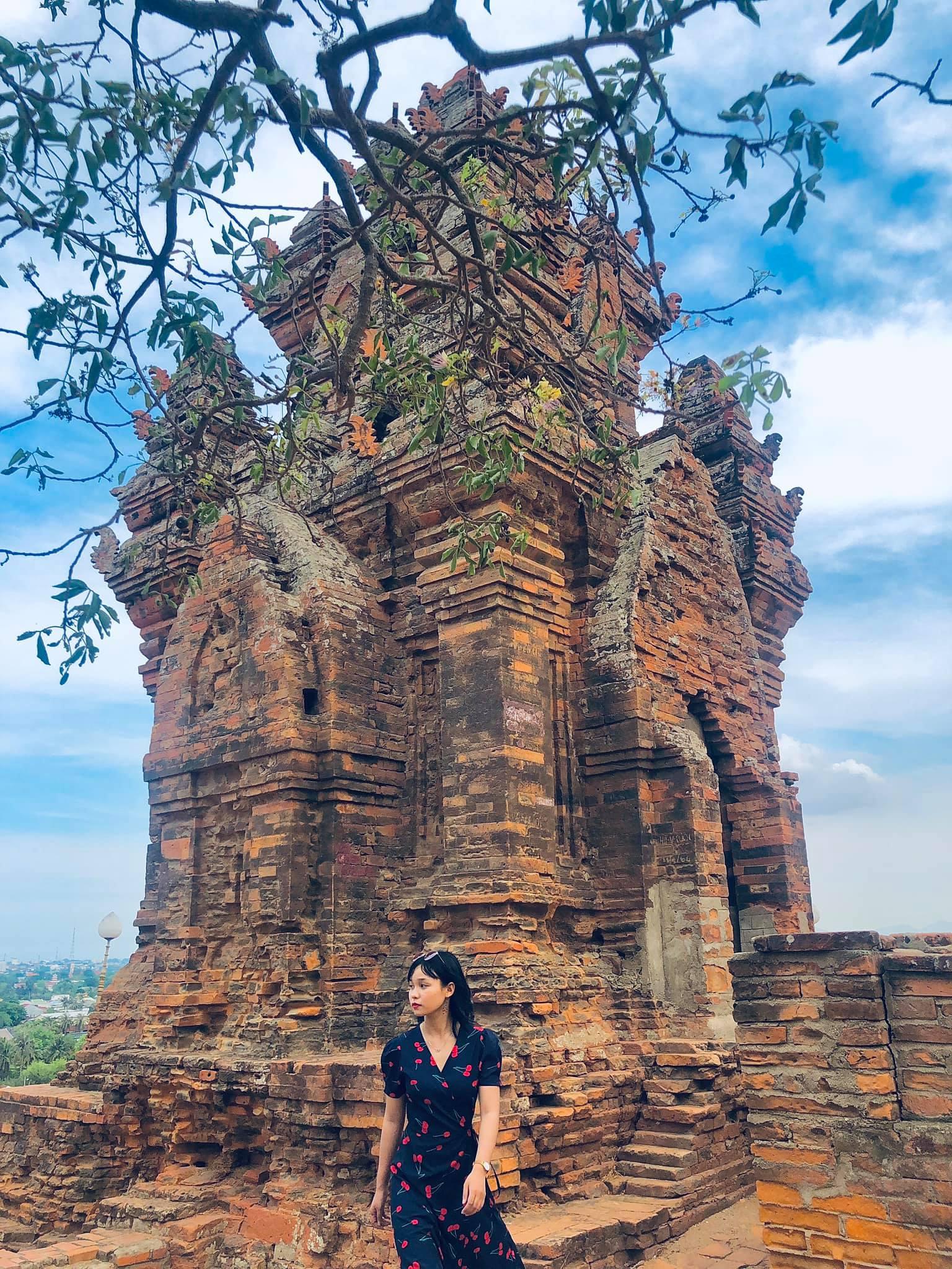 thap Tháp Poklong Garai ;ịch trình Ninh Thuận Bình Thuận 4N3Đ